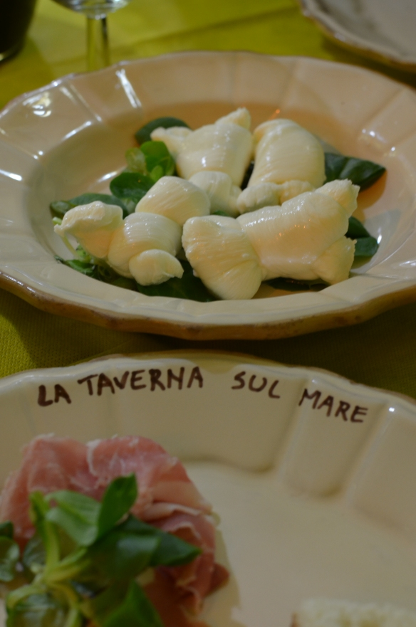 Burrata at Tana del Polpo